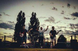 Aperi-music al Lago delle Rose con gli Smokey Monkey dal vivo